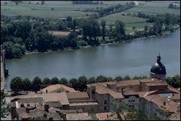 Dans quel département Lorrain la Saône prend-elle sa source ?