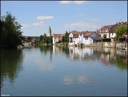 Dans quelle commune le Doubs prend-il sa source ?