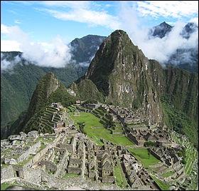 Le Machu Picchu. Ancienne cité construite par les Incas dans la cordillère des Andes, à plus de 2400 m d'altitude.