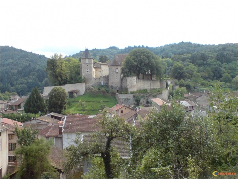 L'Auvergne comprend 4 départements. Quels sont-ils ?