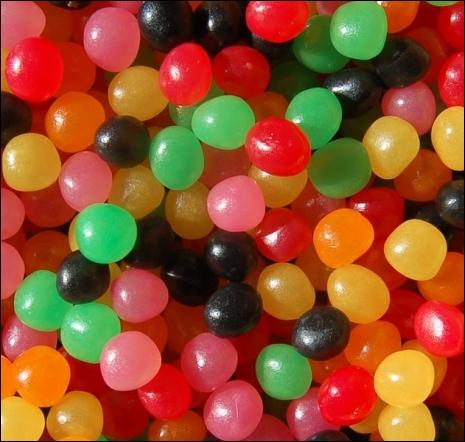 Boules multicolores aux fruits, ce sont des...