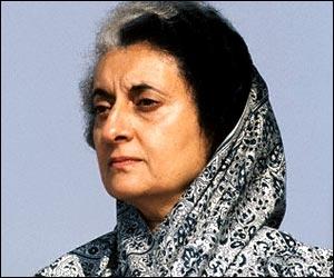 Indira Gandhi, Premier ministre de l'Inde, fut assassinée par ses deux gardes du corps, le 31 octobre 1984. Une seule de ces affirmations la concerne.