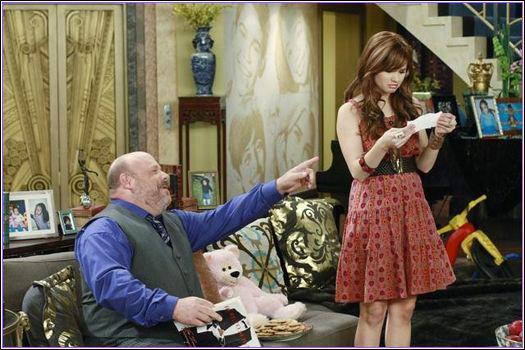 De quelle manière Jessie devient-elle nounou chez les Ross ?