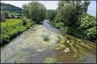 La Chiers ( prononcez  Chières  ) est une rivière franco-belgo-luxembourgeoise. Dans lequel de ces trois pays prend-elle sa source ?
