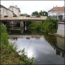 La Vezouze, rivière très capricieuse, entre en confluence dans la Meurthe à ...