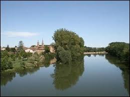 La rivière Aveyron prend sa source dans le département ...