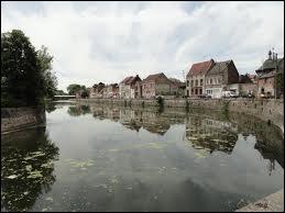 L'Escaut, fleuve européen, traverse trois pays : la France, la Belgique et ...