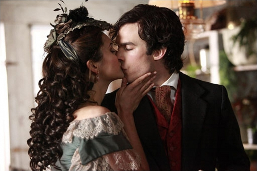 Où croit-il Katherine enfermée ?