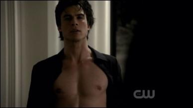 Elena demande à Damon d'hypnotiser :