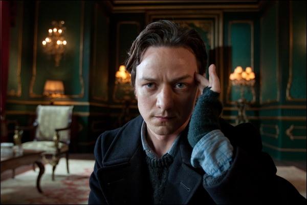 Erik Lehnsherr alias Magnéto n'est pas prêt d'oublier cette phrase de Charles Xavier qui commence par :  Le secret de la volonté est quelque part entre____________________.