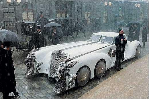 Cette voiture à six roue très stylée apparaît dans un film sortis dans les années 90 avec Sean Connery... sauriez-vous l'identifier ?