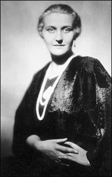 Elle voulait atteindre le sommet de la société et se suicida en 1945. Qui est cette femme mariée en première noce à Günther Quandt, l'un des hommes les plus riches d'Allemagne ?