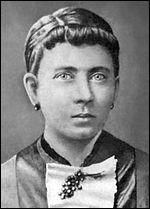 Cette femme ne devrait pas se trouver dans ce quiz. Elle fut sûrement la victime de son mari violent et de 23 ans son aîné. Quelle est cette mère morte d'un cancer du sein en 1907 ?