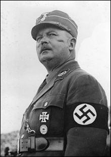 Compagnon de route d'Hitler depuis 1919, chef des SA, il en fait le bras armé de l'aile la plus anti-capitaliste du parti nazi, il sera liquidé en 1934 (la Nuit des Longs Couteaux). Qui est-il ?