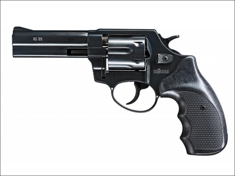 Tome 2 - On découvre qu'un personnage a un revolver, qui est-ce ?