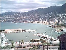 Voici le port de Jounieh. Attribuez-lui son pays.