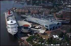Voici le port de Norfolk. Donnez son pays.
