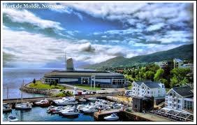 Où se trouve le port de Molde ?