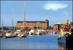 Voici une photo du port de Swansea. Quel est son pays ?