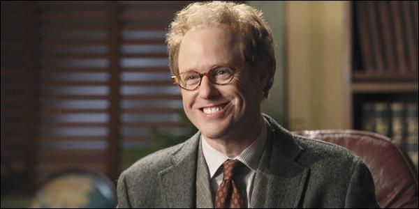 Il est le psychiatre d'Henry. Comment s'appelle-t-il ?