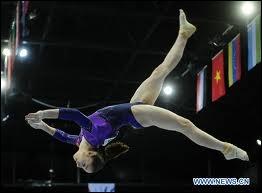 C'est une gymnaste russe :