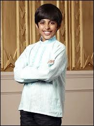 Dans  Jessie , quand les parents adoptifs de Ravi l'ont adopté, ils pensaient qu'il s'agissait :