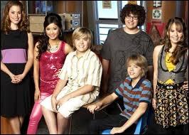 Qui a gardé ses chaussures pendant plus d'un an dans  La Vie de croisière de Zack et Cody  ?