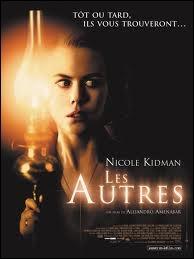 À la fin de quelle guerre se déroule le film  Les Autres  sorti en 2001 ?