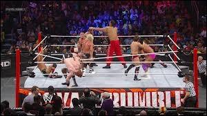 Qui John Cena a-t-il combattu pour la première fois dans le Royal Rumble ?