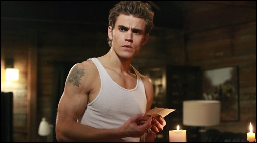 Avec qui Stefan a-t-il couché dans l'épisode 11 de la saison 4 ?