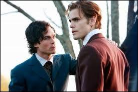 Où se passe le premier réveil de Stefan et Damon en tant que vampires ?
