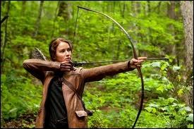 Quel est (ou sont) l'arme (ou les armes) favorite(s) de Katniss ?