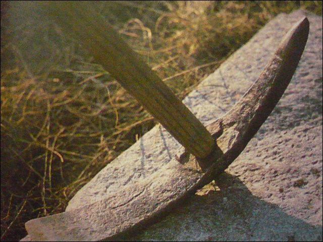 Vous trouverez ce marteau dans le Cantal. À quelle utilisation est-il réservé ?
