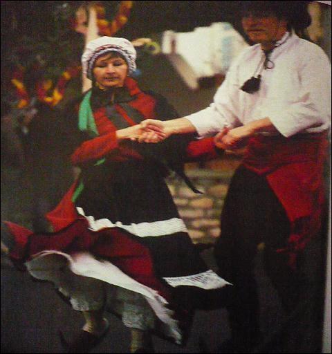 L'Ariège a conservé des traditions, ainsi y fête-t-on la Saint-Blaise et l'on y danse au son de l'accordéon et du chalumeau. Qu'est-ce qu'un chalumeau ?