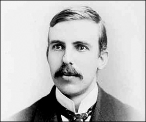 Ernest Rutherford est considéré comme le premier alchimiste. Pourquoi ?