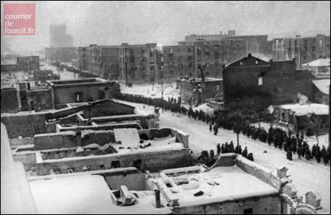 Quand s'est terminée la bataille de Stalingrad ?