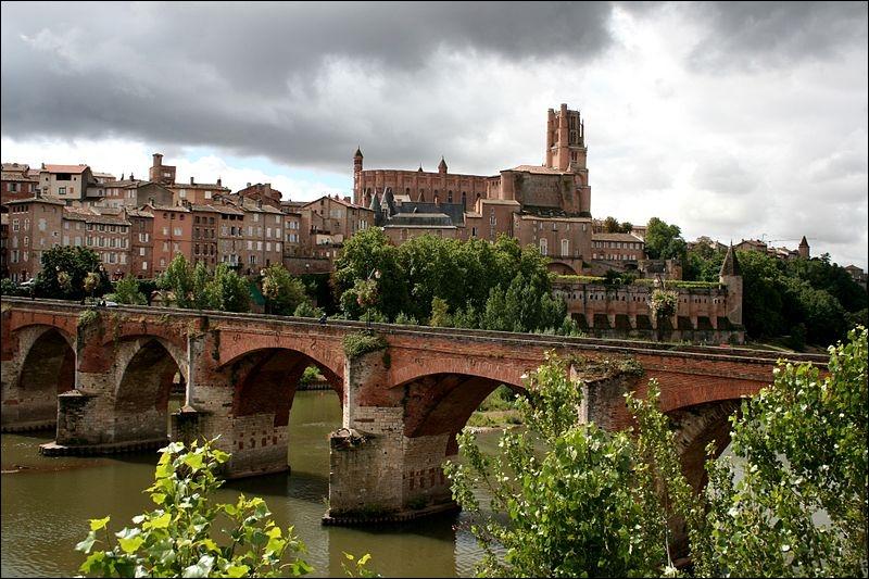 [Territoire] Parmi ces pays, le(s)quel(s) est/sont généralement inclus dans le Languedoc ?