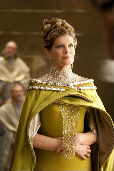 Comment se nomme la Reine ?