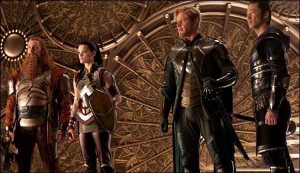 Qui sont les quatre compagnons de bataille de Thor ?