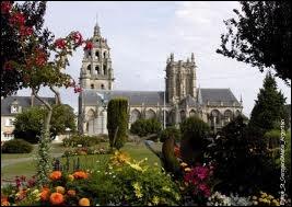 Nous sommes maintenant à Argentan, ville de l'Orne où les habitants portent le nom de ...