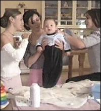11 -  L'héritier . Comment s'appelle le bébé qui est menacé par un fantôme ?