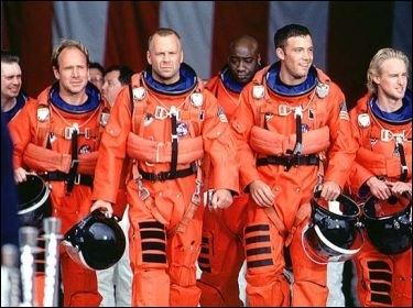 Dans quel film qui se passe dans l'espace Bruce Willis joue-t-il ?