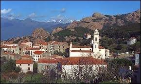 Voici la jolie commune de Piana entourée de superbes calanques. Où se trouve-t-elle ?