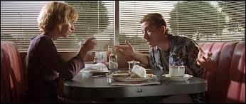 Dans la scène du début avec Tim Roth, quel restaurant braque le couple ?