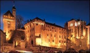 Associez la ville de Chambéry à sa région.