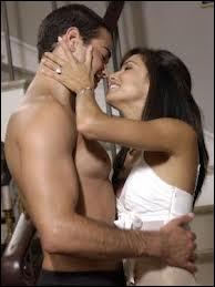 Que font John et Gabrielle lorsque Carlos rentre plus tôt du travail ?
