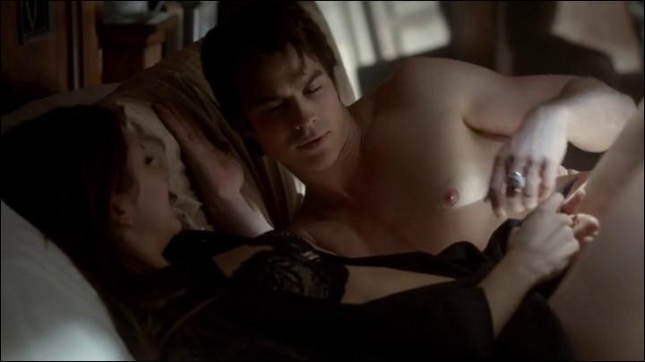 Elena est-elle secrètement amoureuse de lui ?