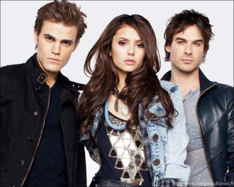 Alors qu'Elena est une...