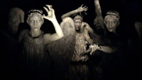 Les Anges pleureurs peuvent puiser l'énergie des lumières d'une pièce pour ne pas être vus et pouvoir bouger :