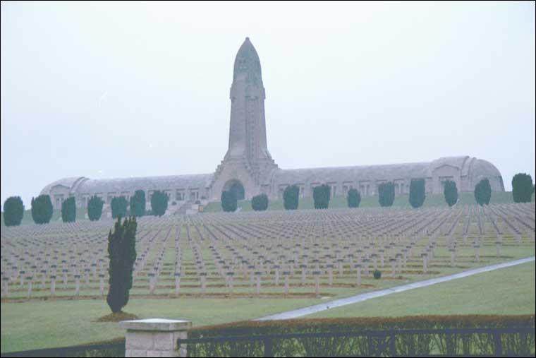 Quelle bataille (21 février – 18 décembre 1916) reste, pour les Français, le symbole même de la Grande Guerre ?